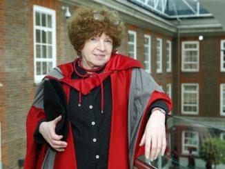 fotografia, colori, donna in toga professore accademico, ritratto di Jasia Reichardt