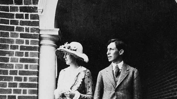 Disease and Literature: a consideration about culture and coronavirus, a picture of Virginia Wolf with her husband