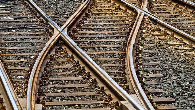 Incrocio di binari ferroviari