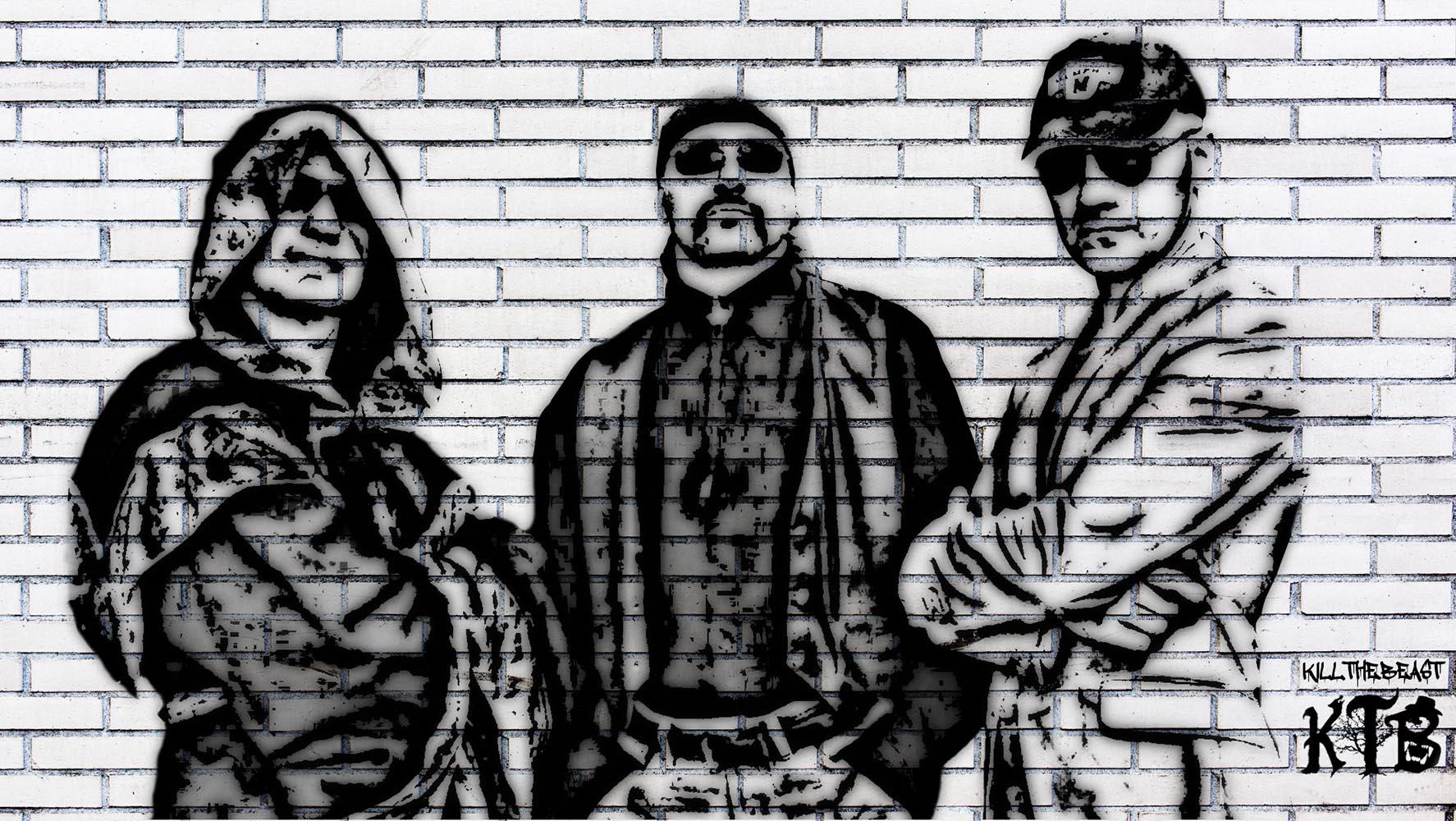 nella foto in bianco e nero si vedono tre uomini dipinti su un muro; indossano occhiali da sole e quello a sinistra un mantello